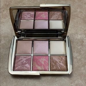 NWOB Hourglass LE Ambient Lighting Edit